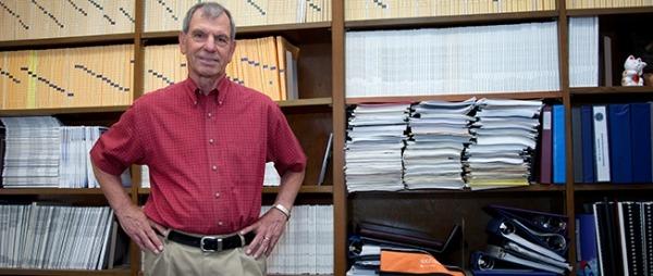 UW Bioengineering faculty Larry Crum