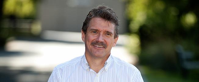 UW Bioengineering professor Dr. Charles Murry