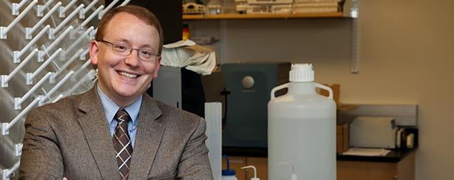 UW Bioengineering assistant professor Dan Ratner