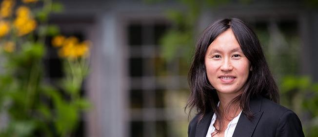 UW Bioengineering assistant professor Kim Woodrow