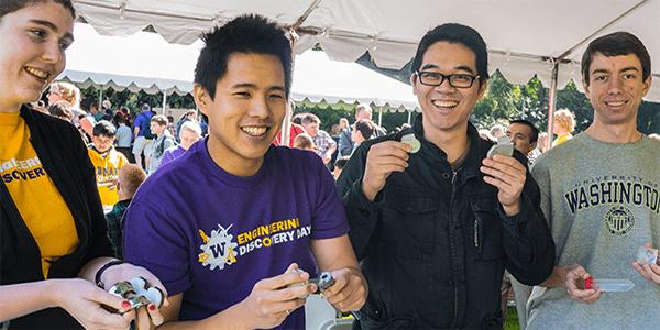 UW Bioengineering students at Engineering Discovery Days