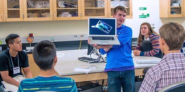 Students at UW Bioengineering summer camp