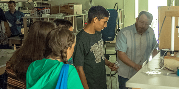 UW Bioengineering Associate Professor Dr. Dan Ratner leads activity on ultrasound