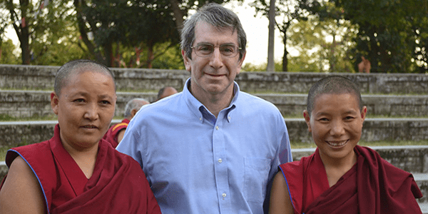 UW Bioengineering faculty Eric Chudler teaches monks and nuns in India