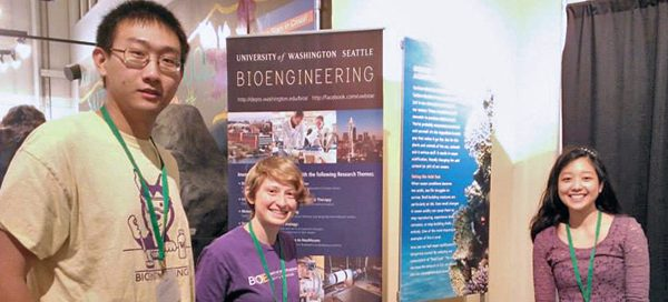 UW Bioengineering students participate in Life Sciences Research Weekend at Seattle Center