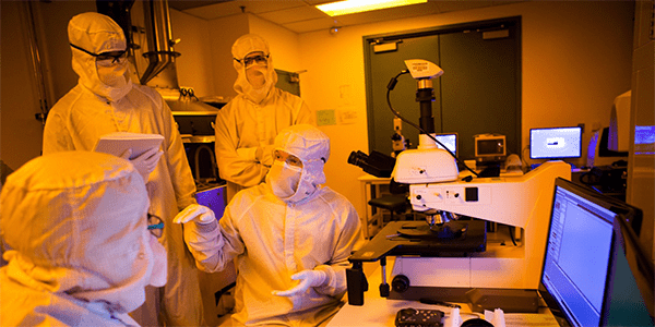 Researchers in UW's NNIN Washington Nanofabrication Facility