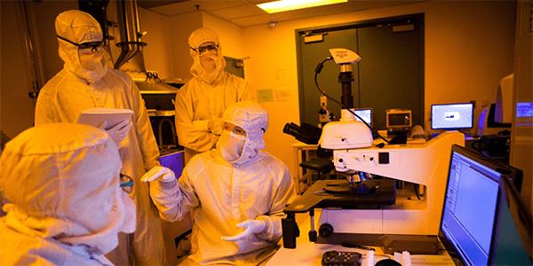 Researchers in UW's NNIN Washington Nanofabrication Facility