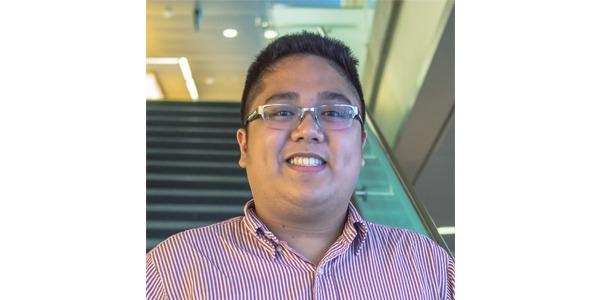 Julio Pineda, UW Bioengineering undergraduate student and peer advisor