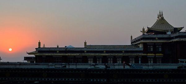 Palpung Sherbaling at sunset